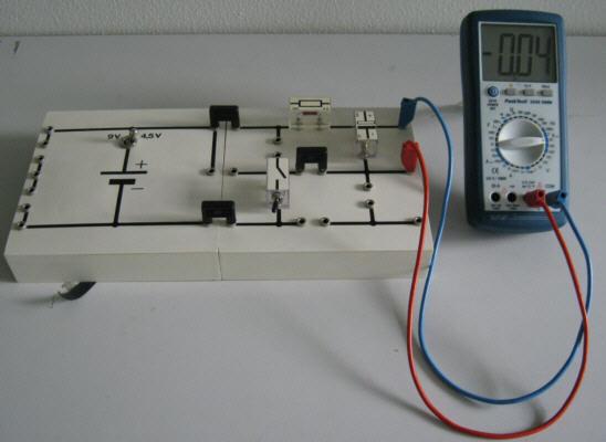 ladung eines kondensators berechnen kondensator. Black Bedroom Furniture Sets. Home Design Ideas